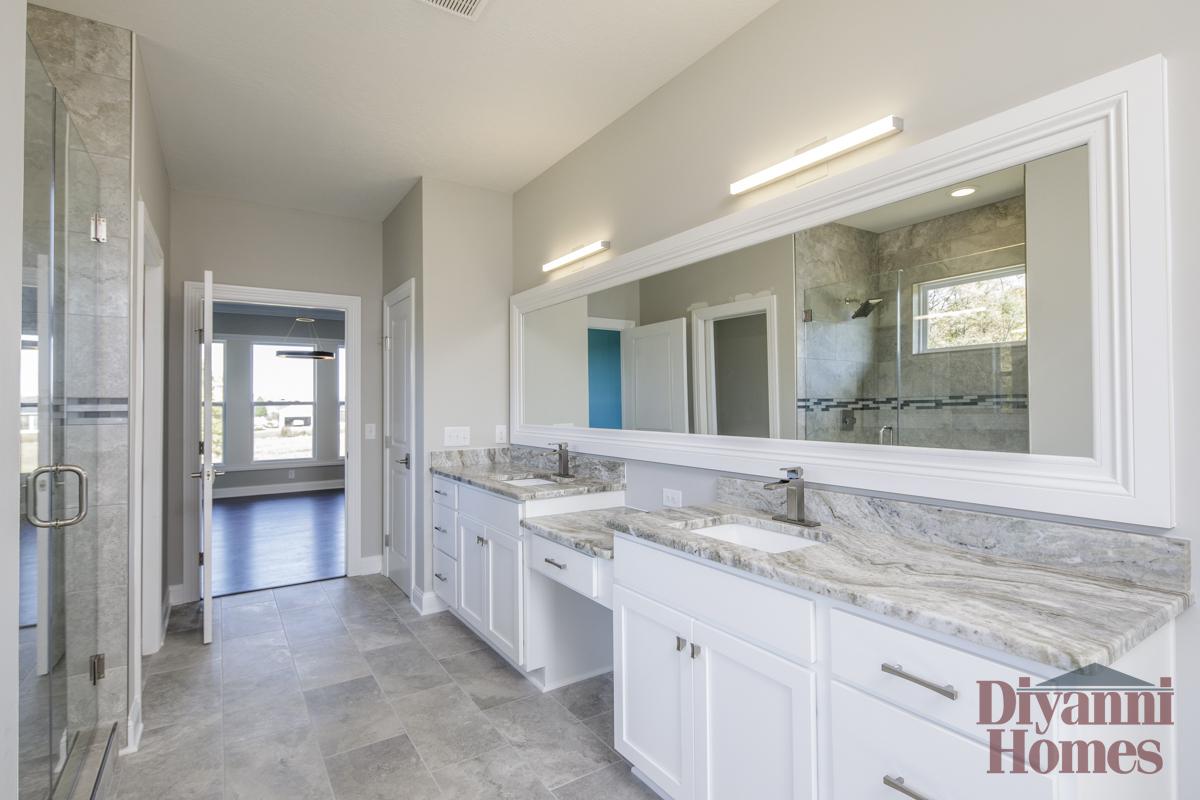 The Verona | Master Bathroom