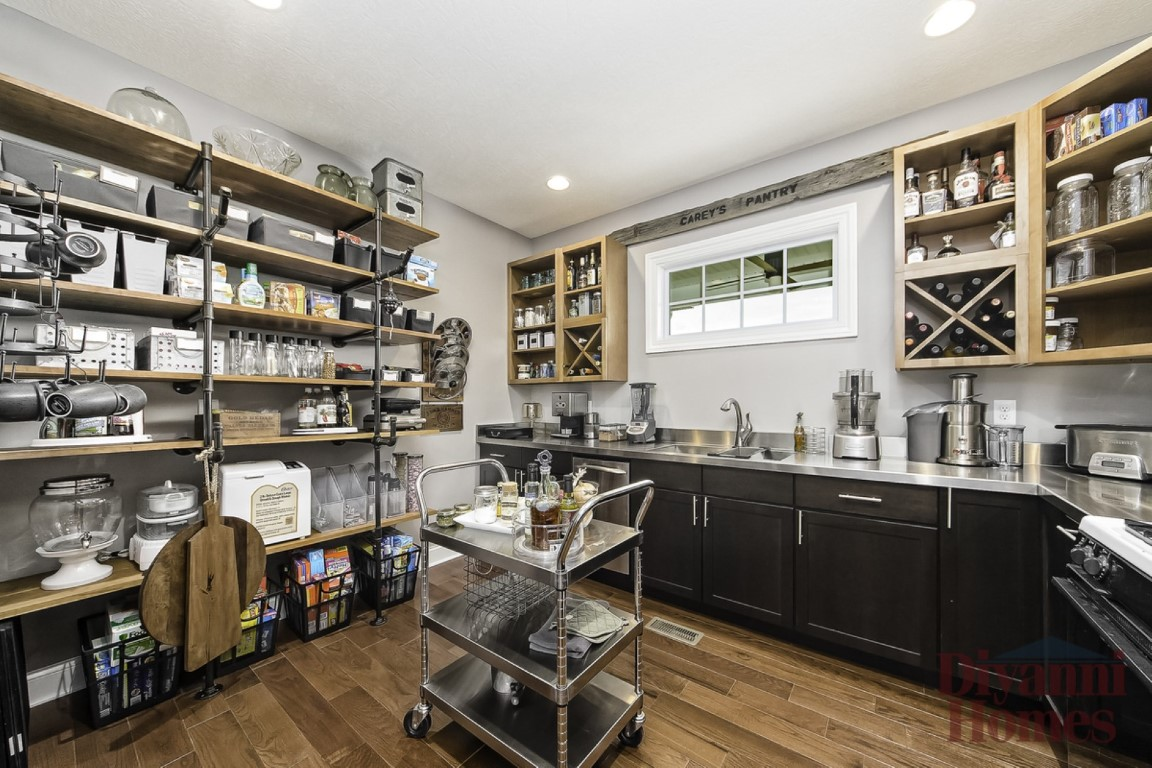 Smokey Gables Chef's Pantry